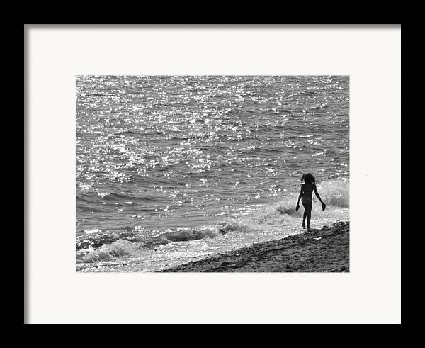 Black And White Photo Framed Print featuring the photograph Strolling On Connecticut Beach by Cindy Lee Longhini