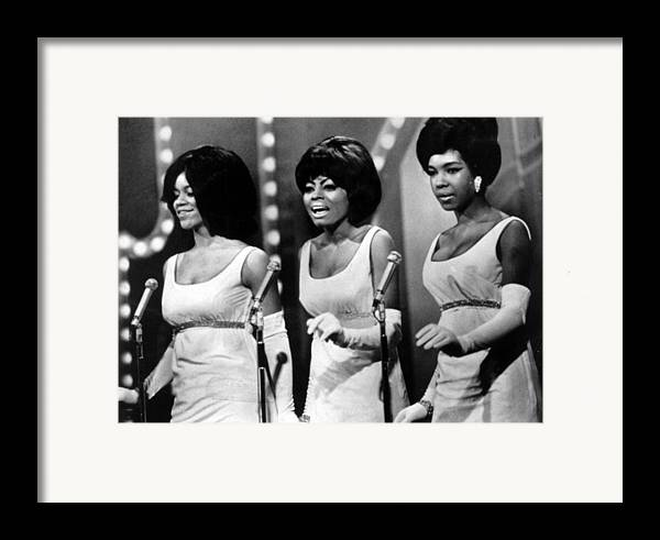 1960s Fashion Framed Print featuring the photograph The Supremes Florence Ballard, Diana by Everett