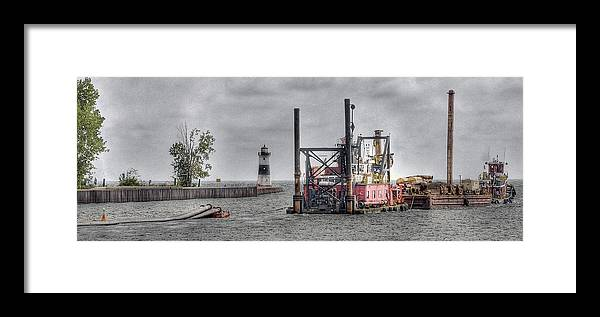 Hdr Framed Print featuring the photograph Through The Channel by Brian Fisher