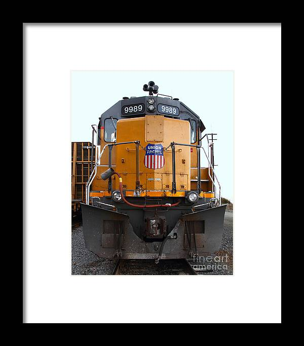 Transportation Framed Print featuring the photograph Union Pacific Locomotive Trains . 7d10589 by Wingsdomain Art and Photography