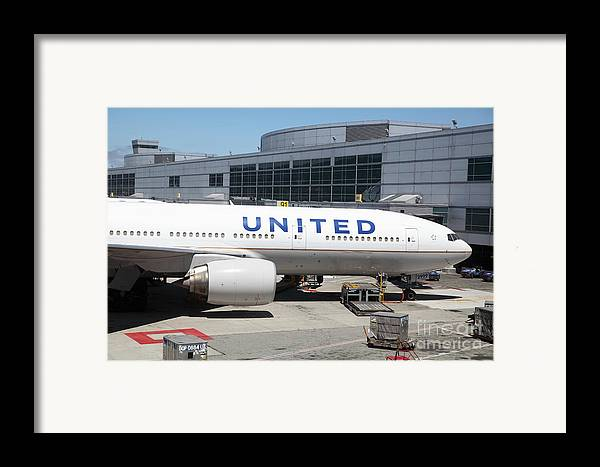 Transportation Framed Print featuring the photograph United Airlines Jet Airplane At San Francisco Sfo International Airport - 5d17109 by Wingsdomain Art and Photography