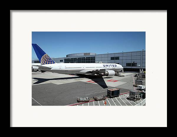 Transportation Framed Print featuring the photograph United Airlines Jet Airplane At San Francisco Sfo International Airport - 5d17114 by Wingsdomain Art and Photography