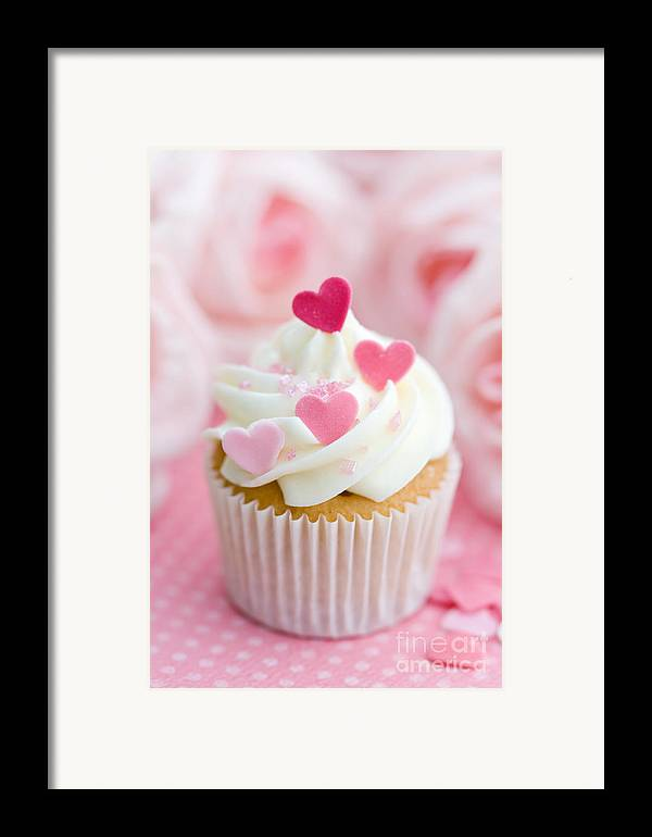 Cupcake Framed Print featuring the photograph Valentine Cupcake by Ruth Black