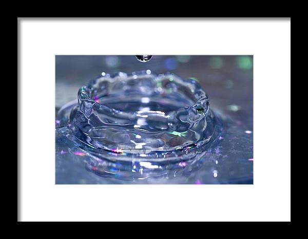 Water Framed Print featuring the photograph Waterdrop15 by Danielle Silveira