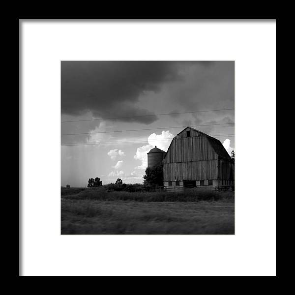Barn Framed Print featuring the photograph 08016 by Jeffrey Freund
