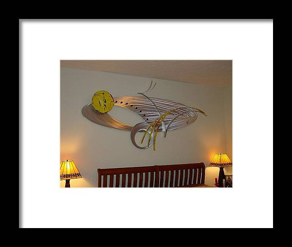 Aluminum Framed Print featuring the sculpture Breaking Out by Mac Worthington