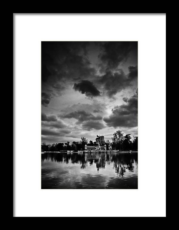 Park Framed Print featuring the photograph Retiro by Felix M Cobos