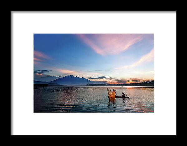 Sunset. Vietnam. Lake Framed Print featuring the photograph Sunset by Kim Le