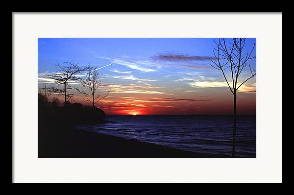 Sunset Framed Print featuring the photograph 112601-54 by Mike Davis