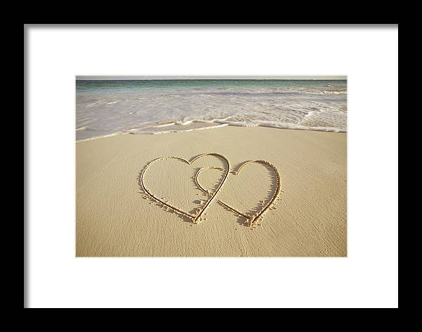 Horizontal Framed Print Featuring The Photograph 2 Hearts Drawn On Beach By Gen Nishino