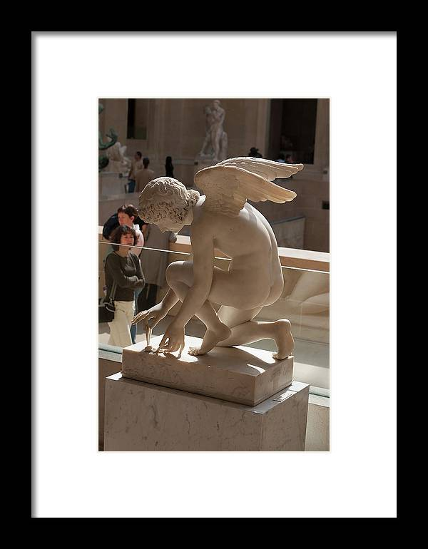 Sculpture Framed Print featuring the photograph Kneeling Angel At The Louvre by Carl Purcell