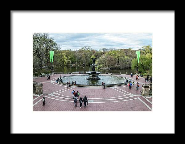 Nyc Framed Print featuring the photograph Bethesda Fountain by Robert J Caputo