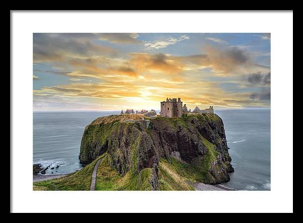 Dunnottar Castle by Veli Bariskan
