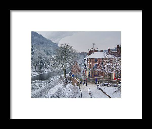 Winter Framed Print featuring the photograph A Wintry Street Scene In Ironbridge Gorge England by Sarah Broadmeadow-Thomas