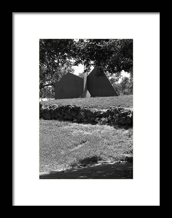Black And White Framed Print featuring the photograph Abstract Sculpture by Rob Hans
