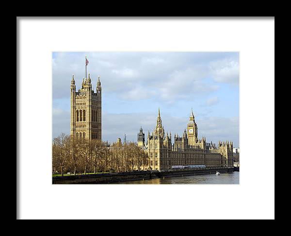 London Framed Print featuring the photograph Along The Thames by Stephen Anderson