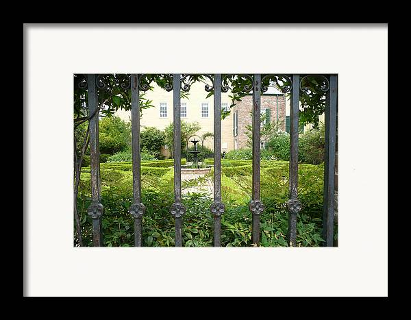 New Orleans Framed Print featuring the photograph Beauregard-keyes House by Kathy Schumann