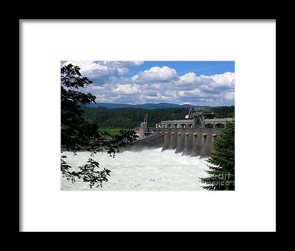 Bonneville Dam Framed Print featuring the photograph Beautiful Day At Bonneville by PJ Cloud