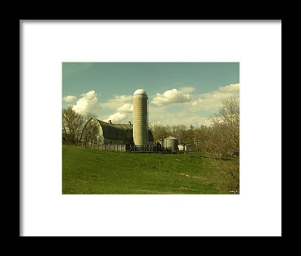 Barn Framed Print featuring the photograph Beautiful Life by Erin Murtaugh