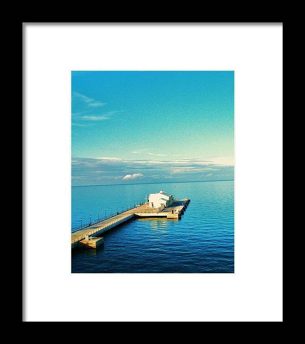 Ocean Framed Print featuring the photograph Bermuda 1 by Joe Martin