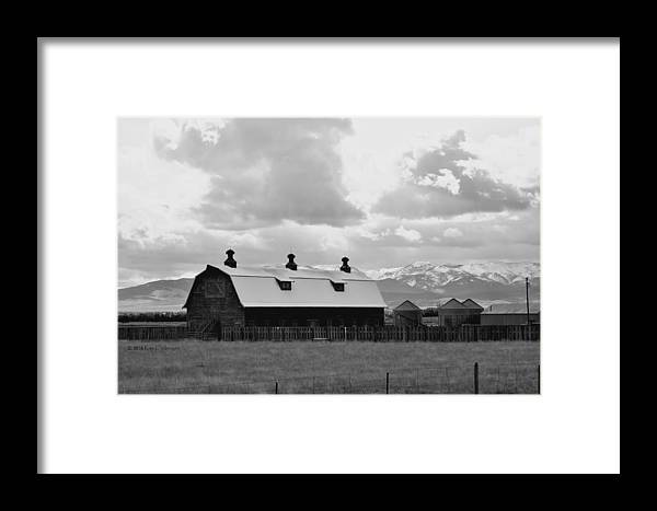 Barn Framed Print featuring the photograph Big Barn In Black And White by Kae Cheatham
