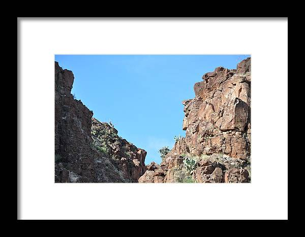 Landscape Framed Print featuring the photograph Bigbend Bighorn by Thor Sigstedt