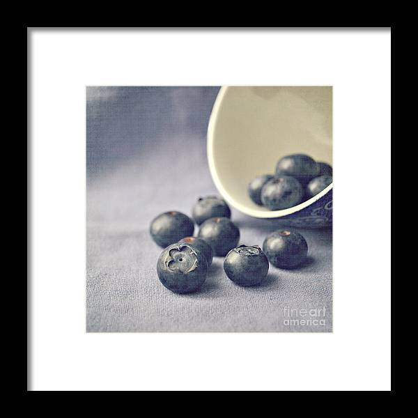 Blueberries Framed Print featuring the photograph Bowl Of Blueberries by Lyn Randle