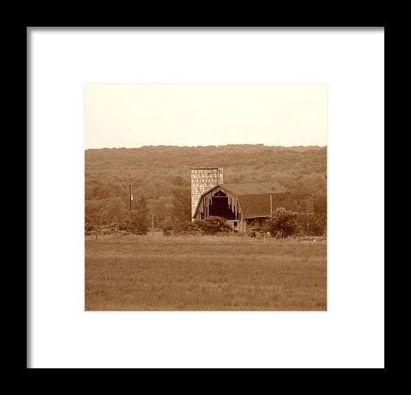 Barn Framed Print featuring the photograph Broken by Rhonda Barrett