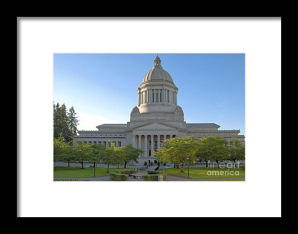Washington Framed Print featuring the photograph Capitol Building - East Side by Larry Keahey
