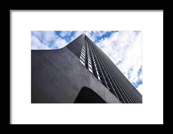 Sydney Framed Print featuring the photograph Catch A Cloud by Sonia Pizzinelli