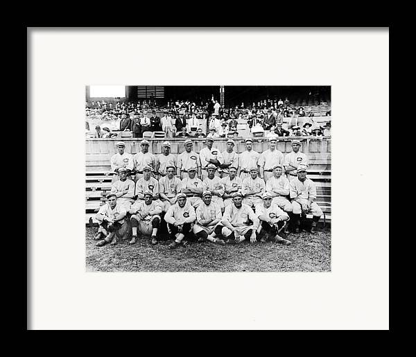 1910s Portrait Framed Print featuring the photograph Cincinnati Reds, Baseball Team, 1919 by Everett