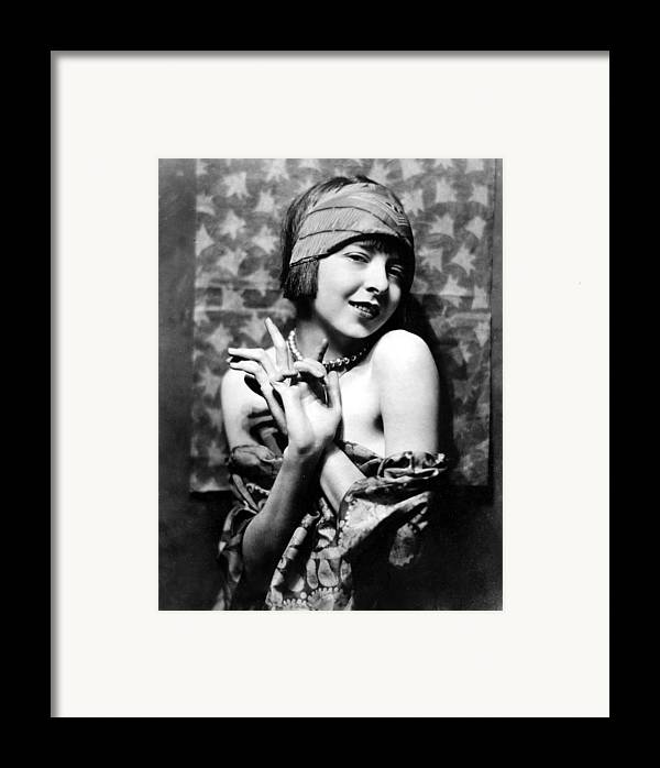 1920s Fashion Framed Print featuring the photograph Colleen Moore, Around 1927 by Everett