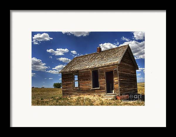 Landscape Framed Print featuring the photograph Colorado Homestead by Pete Hellmann