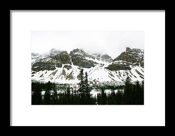 Mountains Framed Print featuring the photograph Crowfoot Mountain At Bow Lake by Cynthia Cox Cottam