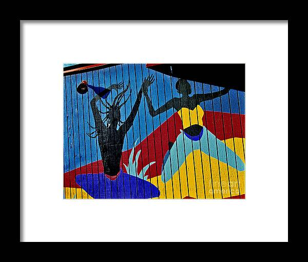 Color Framed Print featuring the photograph Dancers by Curtis Staiger