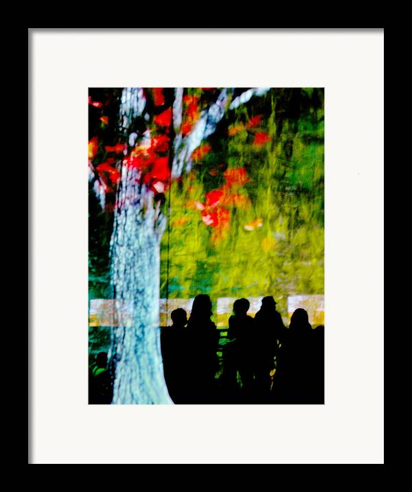 Sillhouettes Framed Print featuring the photograph Die Zuschauer - The Spectators by Linda McRae