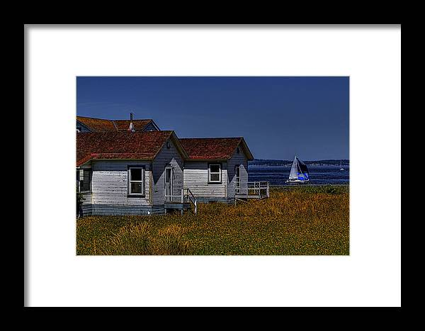 Discovery Park Framed Print featuring the photograph Discovery Park Homes by David Patterson
