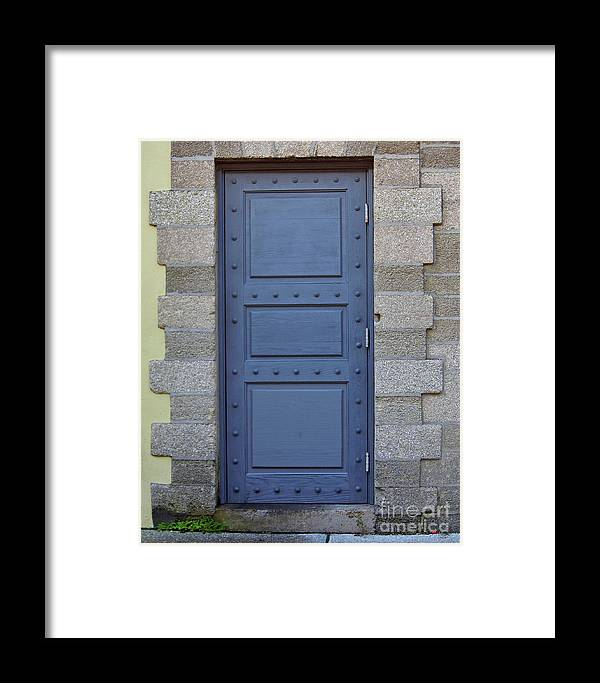 Door Framed Print featuring the photograph Door With No Handle by D Hackett