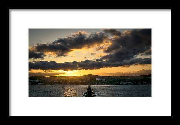 Dundee Framed Print featuring the photograph Dundee Sunset by Jamie Whyte