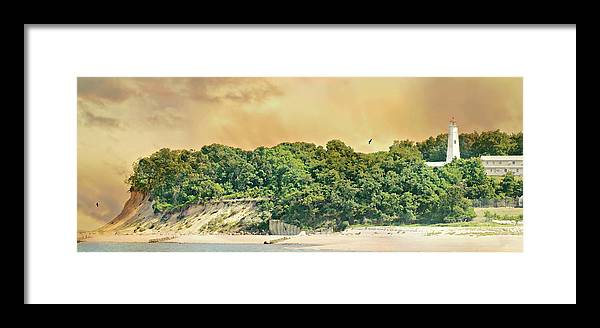 Eaton's Neck Lighthouse Framed Print featuring the photograph Eaton's Neck Lighthouse Circa 1798 by Diana Angstadt