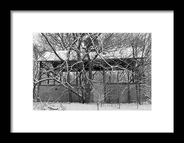 Barn Framed Print featuring the photograph Empty Barn by Melanie Guest
