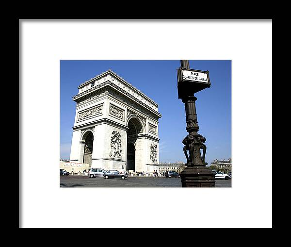 Paris Framed Print featuring the photograph Etoile by Hans Jankowski