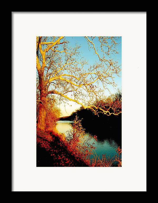 River Framed Print featuring the photograph Fall At The Raritan River In New Jersey by Christine Till