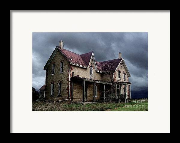 Haunted House Framed Print featuring the photograph Farm House by Tom Straub