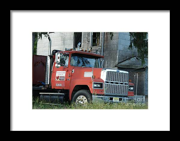 Ford Framed Print featuring the photograph Front Of A Ford 9000 Powerhouse by Rob Luzier