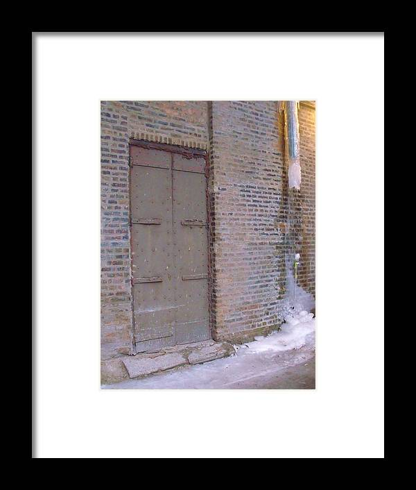 Alley Framed Print featuring the photograph Frozen Alley II by Anna Villarreal Garbis