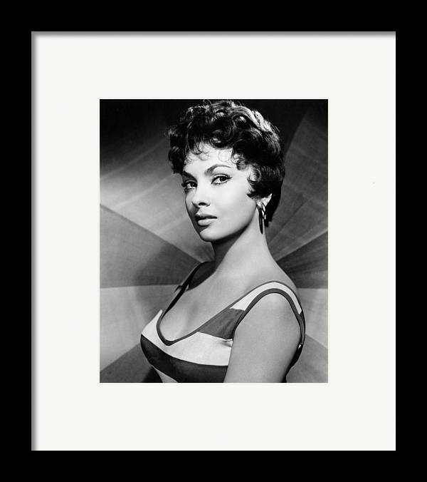 1950s Portraits Framed Print featuring the photograph Gina Lollobrigida, Ca. Late 1950s by Everett