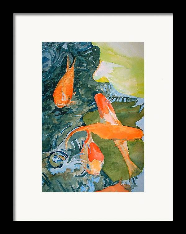 Goldfish Framed Print featuring the painting Goldface - Watercolor by Donna Hanna