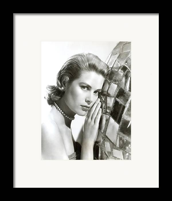 1950s Portraits Framed Print featuring the photograph Grace Kelly, 1954 by Everett