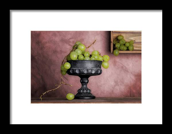 Food Framed Print featuring the photograph Grapes Centerpiece by Tom Mc Nemar